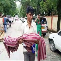 गोरखपुर के अस्पताल में 30 बच्चों की मौत, समीरात्मज मिश्र की रिपोर्ट