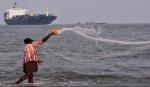 தமிழக மீனவர்கள் 4 பேரை கைது செய்த இலங்கை கடற்படை | 4 TN fishermen arrested by Sri Lankan Navy