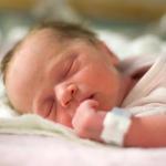 சேலத்தில் குப்பைத்தொட்டியில் கிடந்த பச்சிளம் குழந்தை | Newborn baby found in Salem dustbin