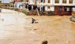 காஷ்மீர் வெள்ளத்தில் 3 பேர் உயிரிழப்பு, மீட்பு பணிகள் தீவிரம் | 3 dead in Kashmir floods, rescue operations underway