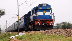 நவம்பர் முதல் 500 ரயில்களின் பயண நேரம் குறைப்பு | 500 long-distance trains to run faster from November
