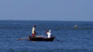 நாகை மீனவர்கள் 10 பேர் சிறைப்பிடிப்பு | 10 Tamil Nadu fishermen arrested by Sri Lankan Navy