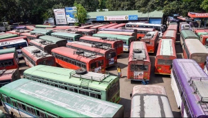 மகாராஷ்டிராவில் போக்குவரத்து ஊழியர்கள் போராட்டம் வாபஸ் | Bus services resume in Maharashtra after transport workers call off strike