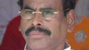 சசிகலாவின் கணவர் நடராசனுக்கு 2 ஆண்டு சிறைத்தண்டனை | Madras HC upholds 2-year jail term for Sasikala's husband and 4 others in car import case