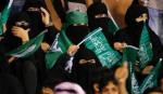 पुरूषों का मैच, महिलाओं ने बनाया इतिहास - Saudi Arabia allows women at football game for first time