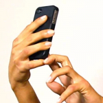 उत्तर प्रदेश पुलिस सेल्फी लेने पर दंड देगी | Clicking Dangerous Selfies can now be penalised