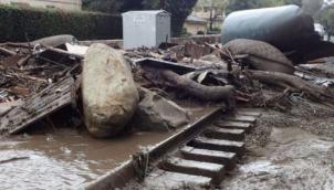 कैलिफोर्निया में भारी बारिश और कीचड़ से 13 की मौत | Thirteen dead amid California heavy rains and mudslides